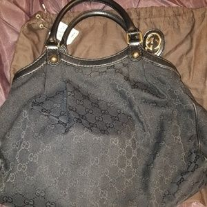 GUCCI GG Canvas Medium Sukey Tote